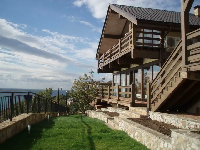 Строительство стандартных деревянных домов: стены и другие детали